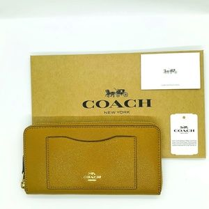 NWT Coach  Crossgrain Leather Wallet F54007